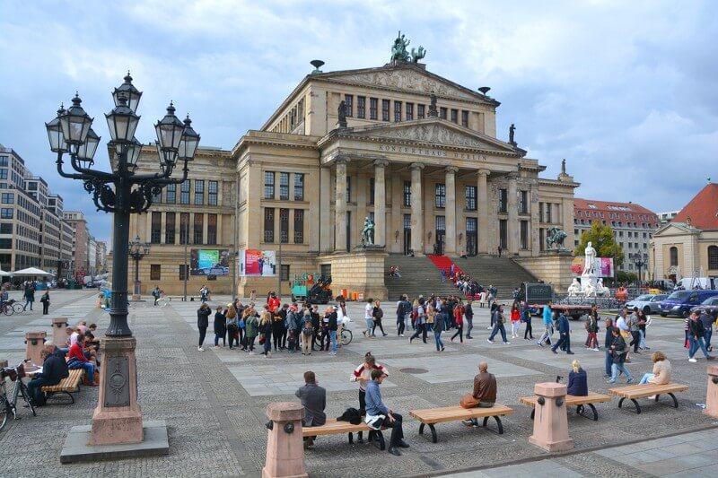 Konzerthaus Berlin on the Gendarmenmarkt square (Photo: meunierd/Shutterstock)